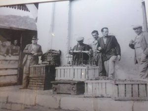 Barile la vendemmia anni '50 alla stazione ferroviaria
