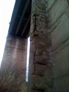BARILE IL VIADOTTO SCESCIO i pilastri in condizioni spaventose
